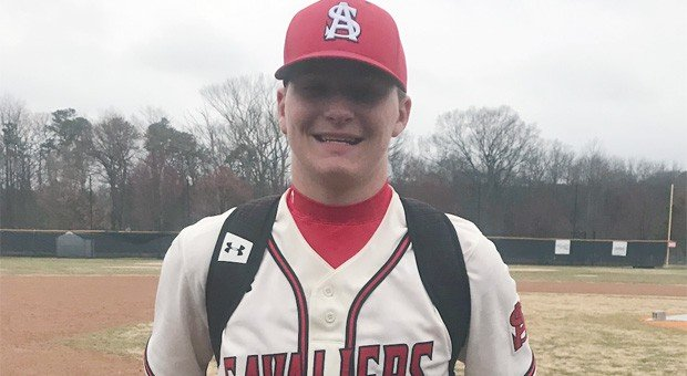 No. 2 Spalding gets to Loyola ace early in a 5-3 MIAA A win