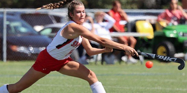No. 1 Spalding field hockey stays undefeated